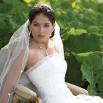 Budapest - A Király Liliomja Esküvői Ruhaszalon